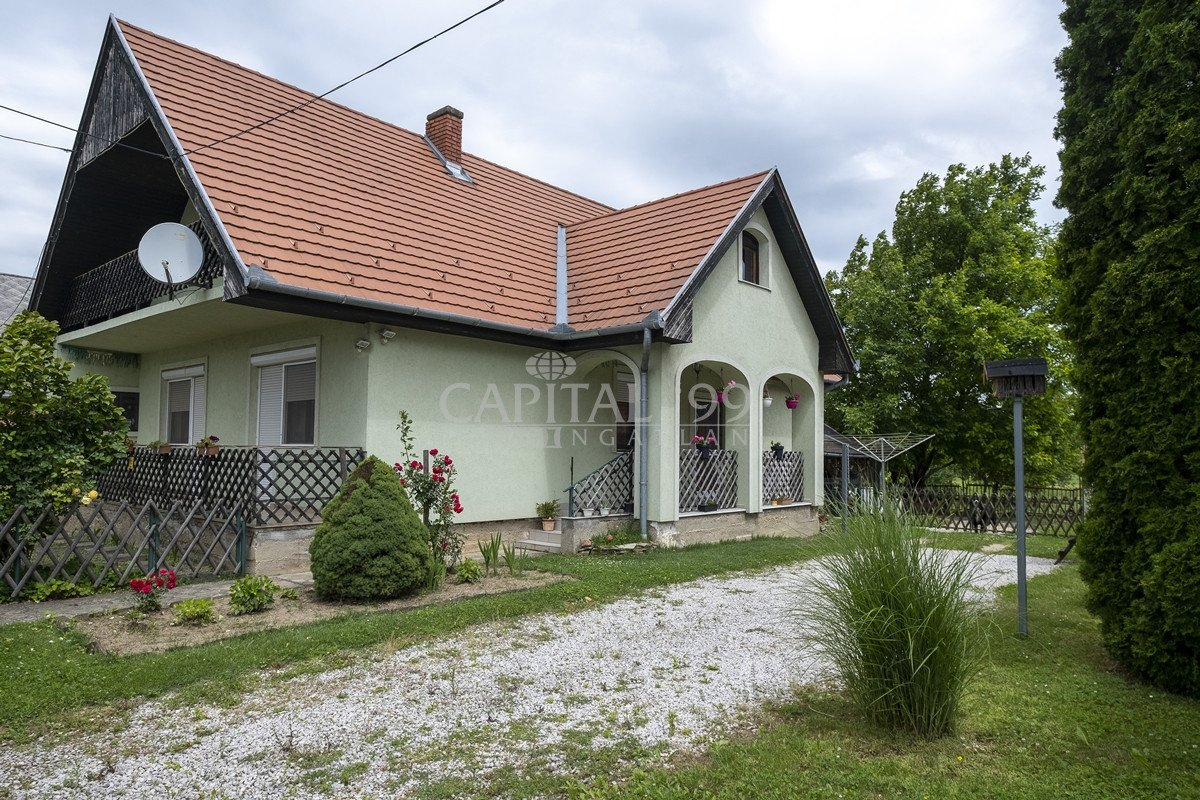 Family House - 3724