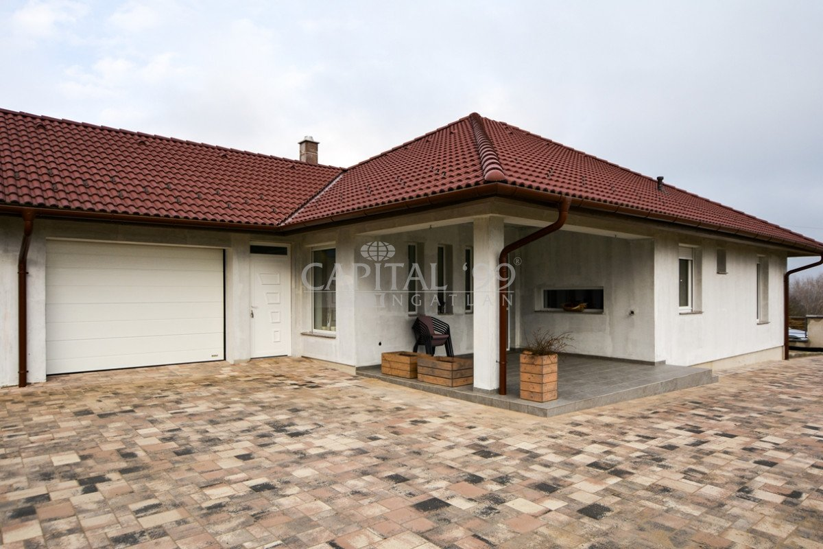 Family House - 3787